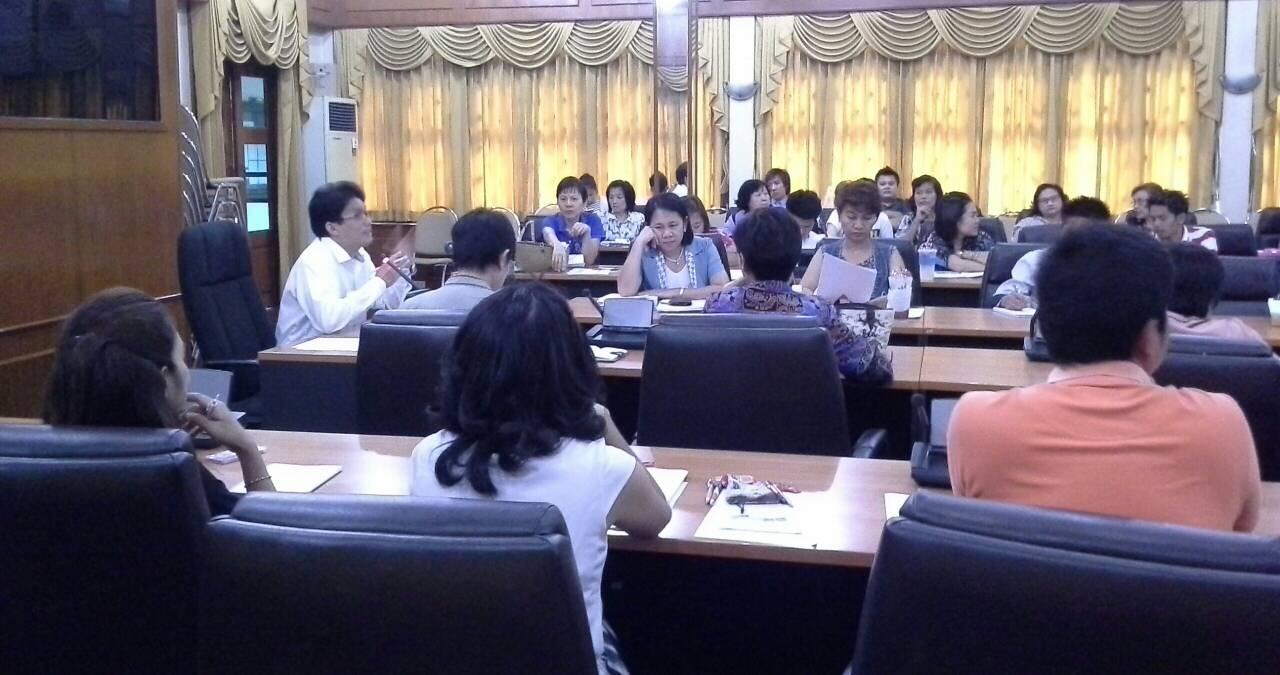 """ประชุมเข้มการจัดการเรียนการสอน การพัฒนาบุคลากรในโครงการ """"English Camp"""""""