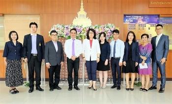 ปก-คณะศิลปศาสตร์ (วังนางเลิ้ง) ร่วมหารือการทำความร่วมมือกับบริษัทการศึกษาจีน