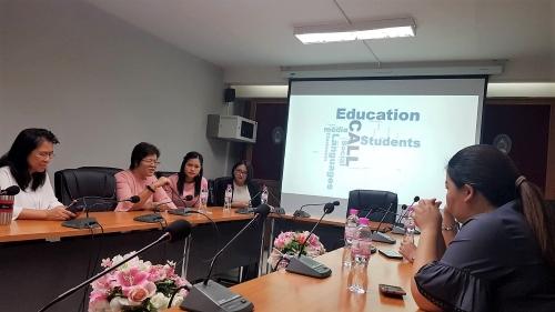 """ปก-อาจารย์ประจำกลุ่มวิชาภาษาต่างประเทศ สาขาวิชาศึกษาทั่วไป เข้าร่วมเสวนาวิชาการและวิจัยในหัวข้อ """"นวัตกรรมหน่วยการเรียนรู้โดยใช้สื่อคอมพิวเตอร์ช่วยเรียนภาษา (CALL)"""