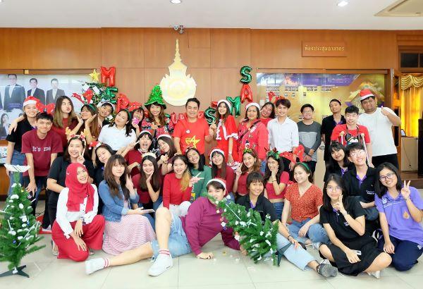 เมื่อวันที่ 25 ธ.ค. 62 สาขาภาษาอังกฤษเพื่อการสื่อสารสากล คณะศิลปศาสตร์ (วังนางเลิ้ง) จัดกิจกรรมวันคริสต์มาส