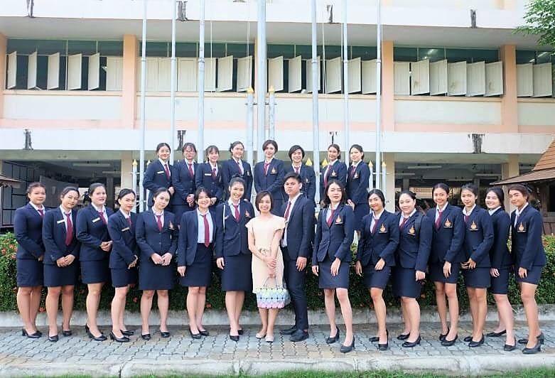เมื่อวันที่ 8 มกราคม 2563 ที่ผ่านมา นักศึกษาสาขาวิชาการโรงแรม ชั้นปีที่ 3 คณะศิลปศาสตร์ มหาวิทยาลัยเทคโนโลยีราชมงคลพระนคร ได้จัดกิจกรรม open house เปิดโลกอาชีพแห่งการบริการ ให้กับนักเรียนมัธยมศึกษาชั้นปีที่ 6 โรงเรียนมหรรณพาราม
