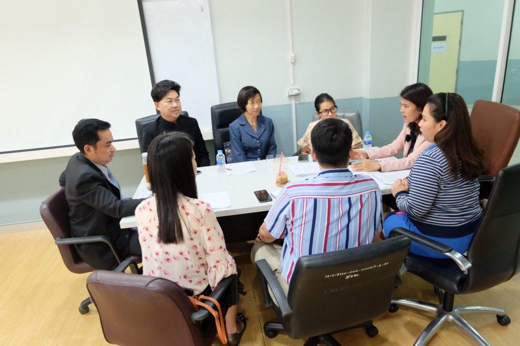 หัวหน้าสาขาวิชาภาษาไทยประยุกต์ ประชุมอาจารย์ประจำสาขาฯ เพื่อเตรียมความพร้อมรับการตรวจประเมินคุณภาพการศึกษา ประจำปีการศึกษา ๒๕๖๒